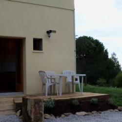 le gite et sa terrasse 2